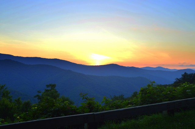 Smoky Mountain Hiking Tours, Guided Hiking Tours, Gatlinburg, Pigeon Forge, Sevierville, Cherokee, Bryson City, North Carolina, Tennessee