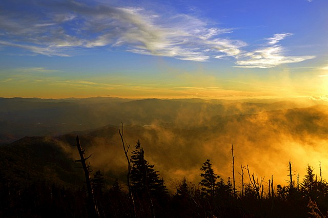 Tennessee Hiking Tours, ClingmansDome, Smoky Mountain Hiking Tours, Tennessee, Hiking Guides, Hiking Tours, Gatlinburg, Pigeon Forge, Sevierville, TN